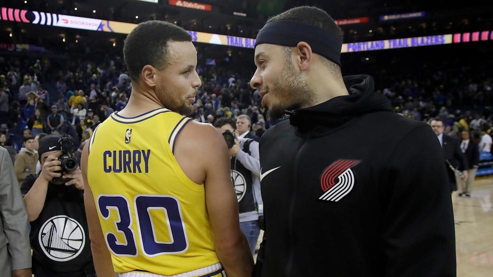 b93ab13cf6b Curry accent  Brothers Steph